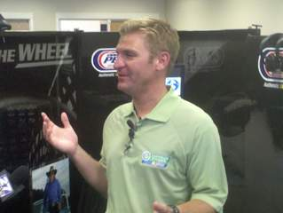 Clint Bowyer_20110509131240_JPG