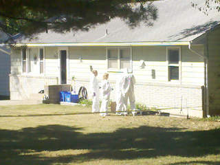 KSHB: FBI ENTERS LISA IRWIN HOME 111005_20111005112917_JPG