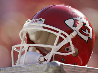 Chiefs announce roster moves