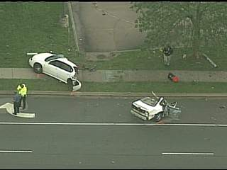 KSHB: CAR CUT IN HALF IN FATAL STREET RACE CRASH 120404