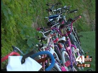 Volunteers collect bikes for kids