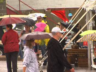 KSHB: SANTA CALI GON DAYS IN RAIN 120831