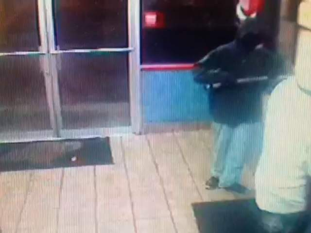 KCPD VIDEO: SAMURAI SWORD CHURCH'S CHICKEN ROBBERY 121023