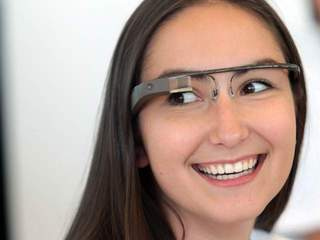 GETTY: GOOGLE GLASSES 20130222