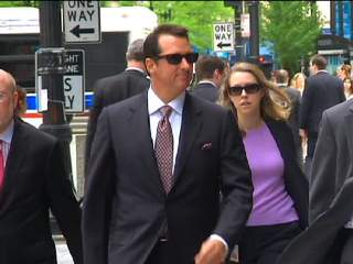Kevin Trudeau arrives to federal court