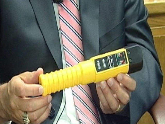 Kan. high school tests students for with portable breathalyzers