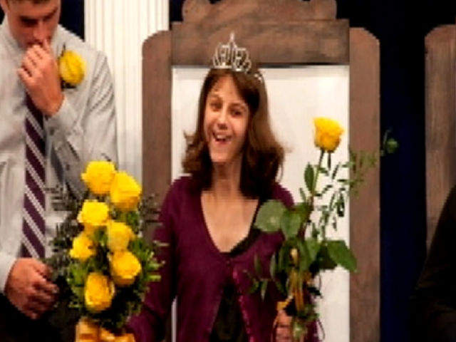 Iowa high school student with cerebral palsy elected homecoming queen