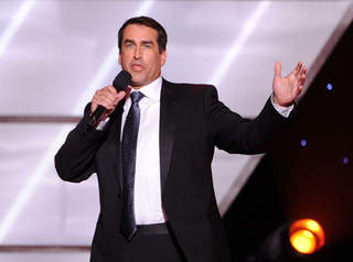 Rob Riggle to flip Plaza lighting switch