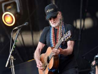 Willie Nelson returning after canceled concert
