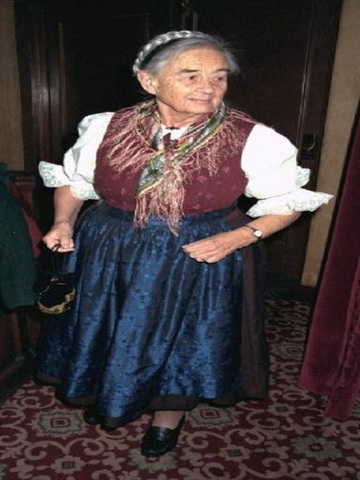 Maria von Trapp arrives for opening night of 'The Sound of Music' at
