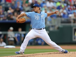 Royals' Jason Vargas back on the field