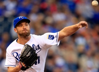 Danny Duffy extends contract with Royals