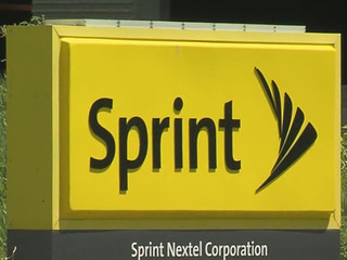 Sprint laying off more than 800 people