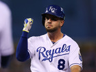 Royals, Moustakas agree on 2-year deal