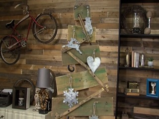 Craft a charmingly rustic holiday tree