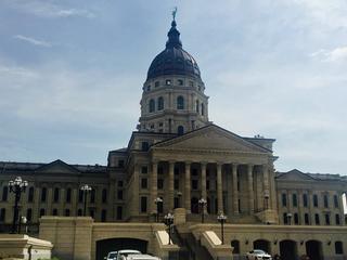 Kansas lawmakers seek transparency reform