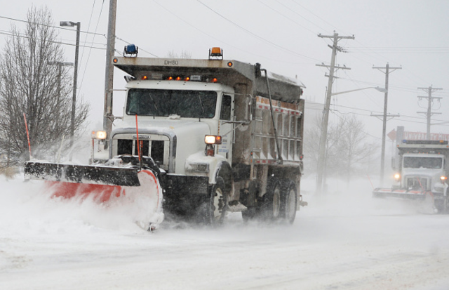 Road crews ready to clear snow in KS and MO