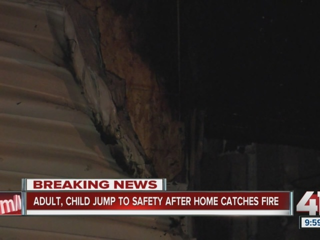 Two hurt, including one child, in Northland duplex fire