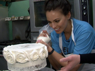 WATCH: Kacie decorates a cake at Dolce Bakery