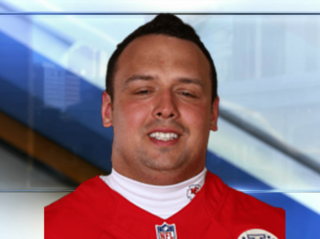 Chiefs DE Mike DeVito announces retirement