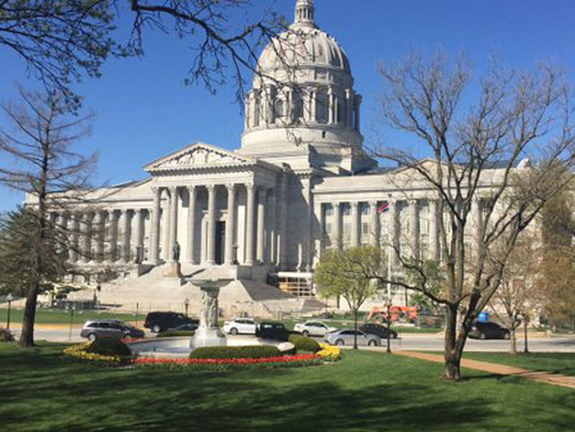 Some Missourians still waiting on tax refunds
