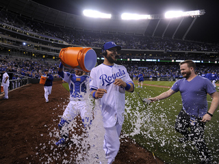 Gordon makes highlight catch in Royals win