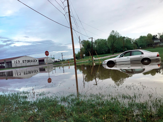 Cars Stuck Roads Underwater In Smithville After Overnight