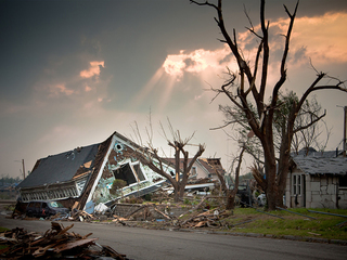 JOPLIN TORNADO: Volunteering in the aftermath