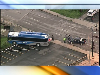 TRAFFIC: Bus driver injured after crash in KCMO