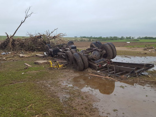 Tornado damages KS homes, no reported injuries