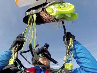 VIDEO: No one should have to paraglide solo