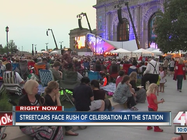 Spectators use Kansas City streetcar as transportation to, from Union…