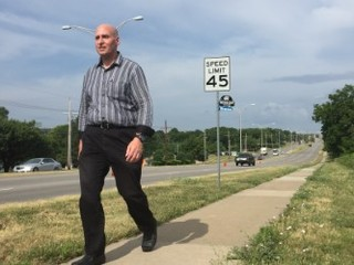 Legally blind man urges KC bus to keep stop