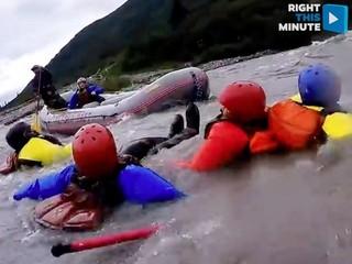 VIDEO: Alaskan rafting trip takes a dive
