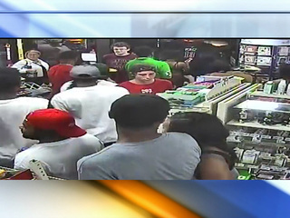 Shoplifters target KC 7-Eleven in a flash mob