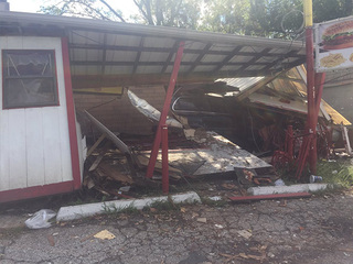 Car crashes into Grandpa's Cafe in Independence