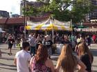 Flash mob surprises Plaza Art Fair guests