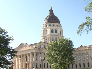 Kansas Senate panel endorses education cuts