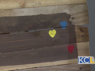 DIY: Reclaimed Wood State Signs