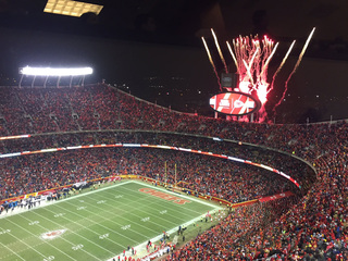Fans brave the cold for Chiefs vs. Raiders game