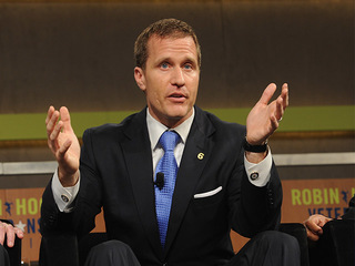 Greitens to fly privately, shuns state plane