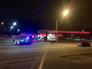2 convenience stores in KCMO robbed overnight