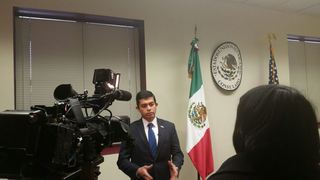 Immigrants seek help of KC's Mexican Consulate