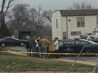 Man shot and killed at KCMO apartment complex