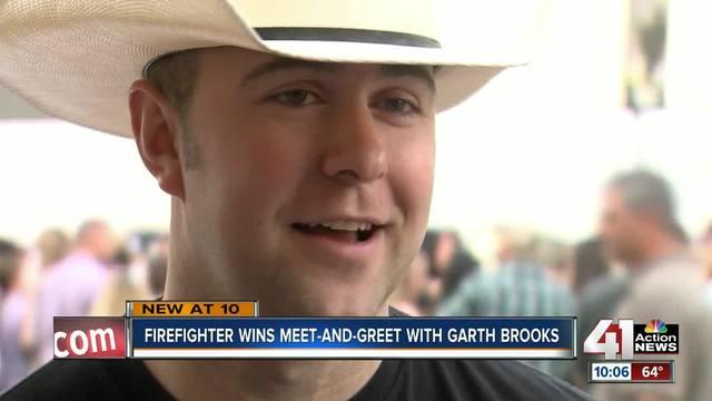 Fans snap up Garth Brooks tickets