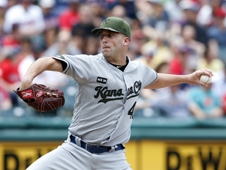 Royals' Danny Duffy out 6-8 weeks for injury