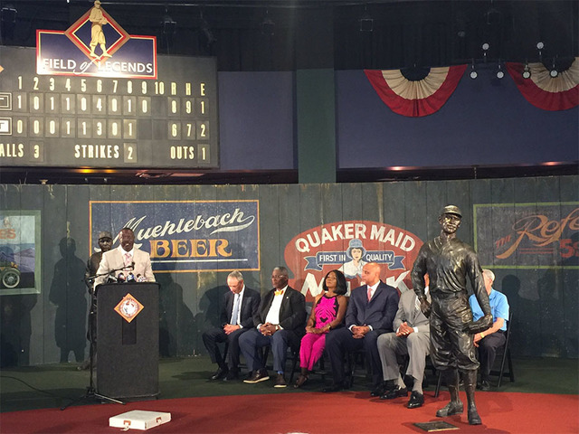 MLB, players' union donate $1M to Negro Leagues museum in KC