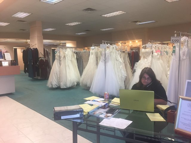 Alfred Angelo abruptly closes its bridal stores nationwide