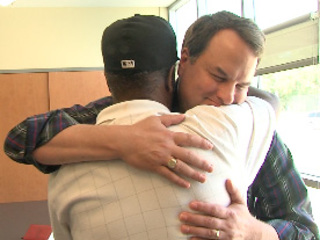 Stranger who saved man in wreck helps again