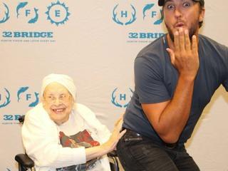 Woman battling terminal illness meets Luke Bryan